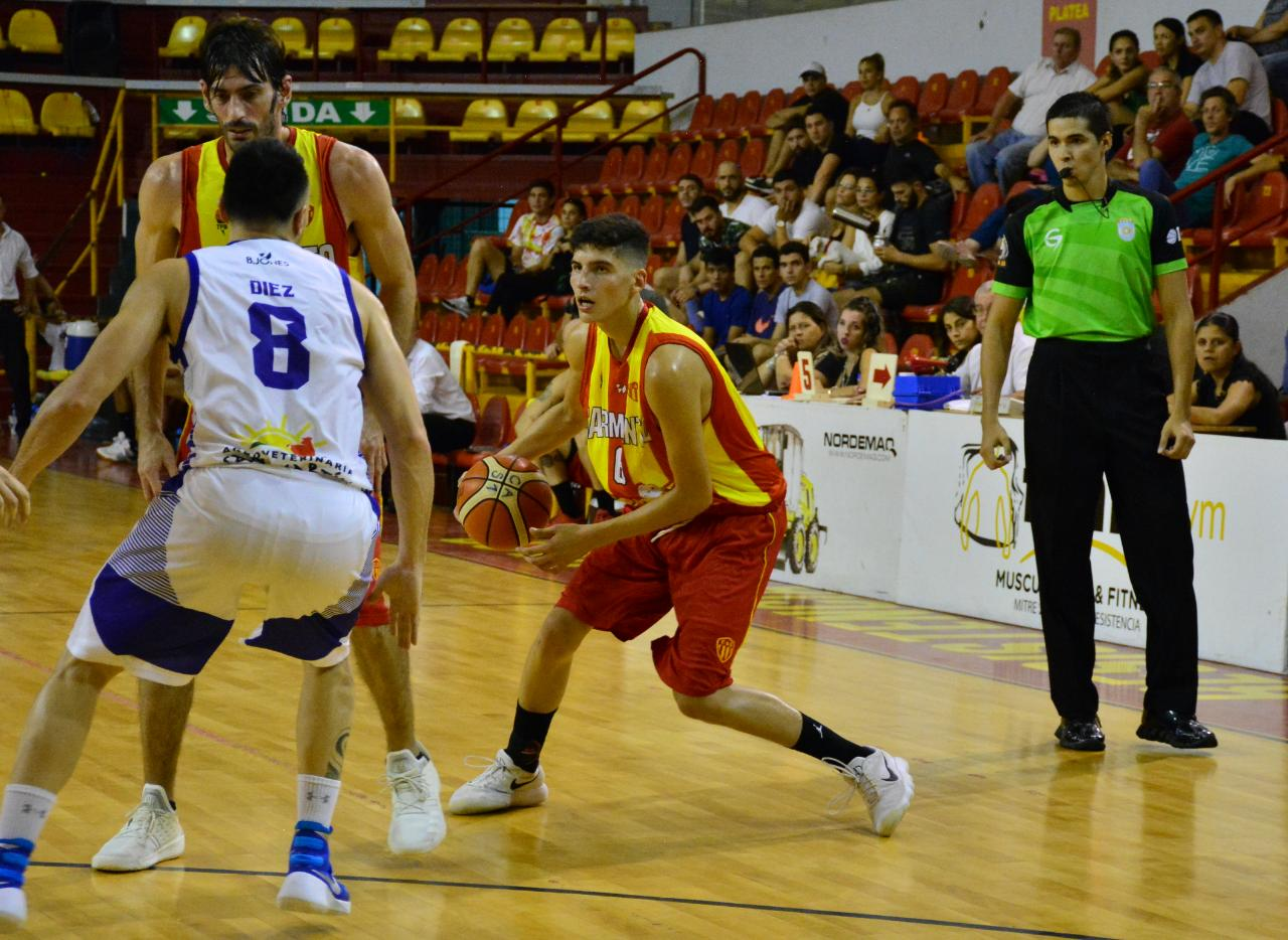 Sarmiento no pudo con San Martín y jugará por la Permanencia