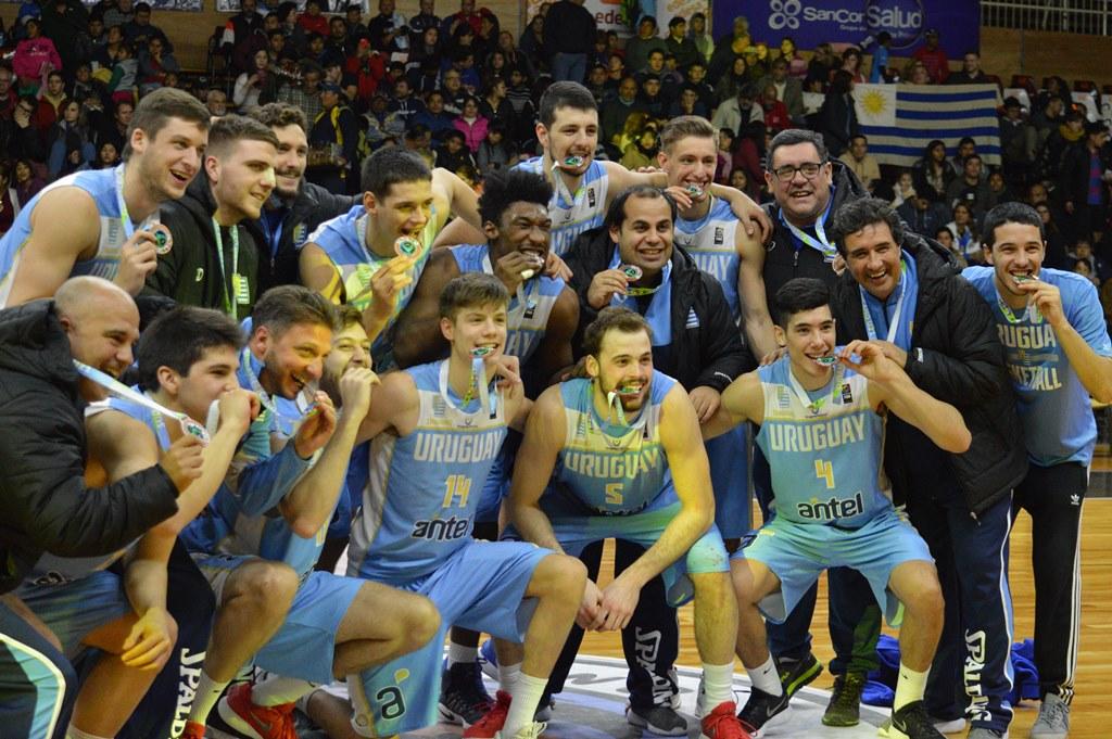 Uruguay se quedó con el bronce tras un gran segundo tiempo