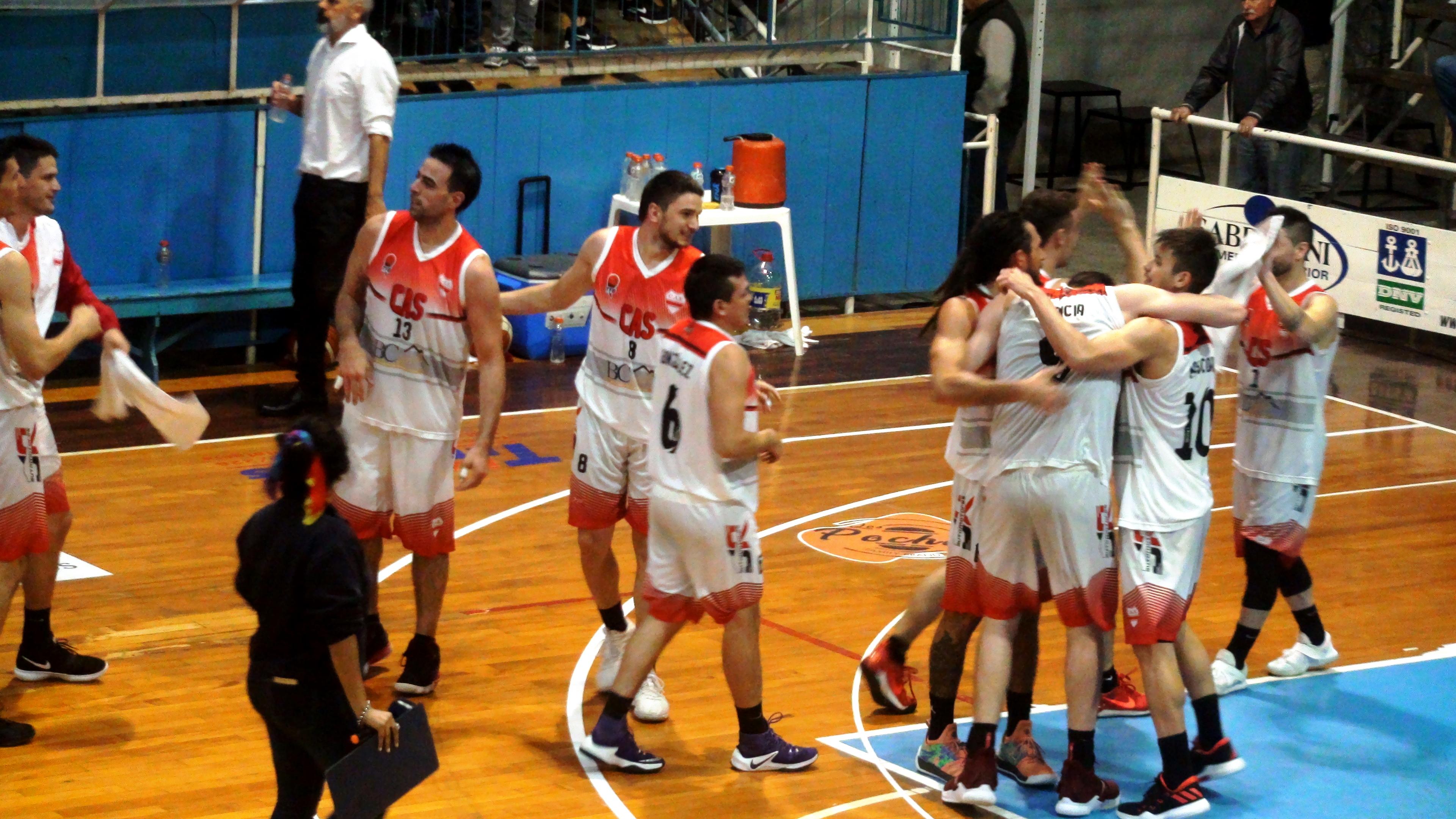 Saladas ganó en Gálvez y liquidó la serie