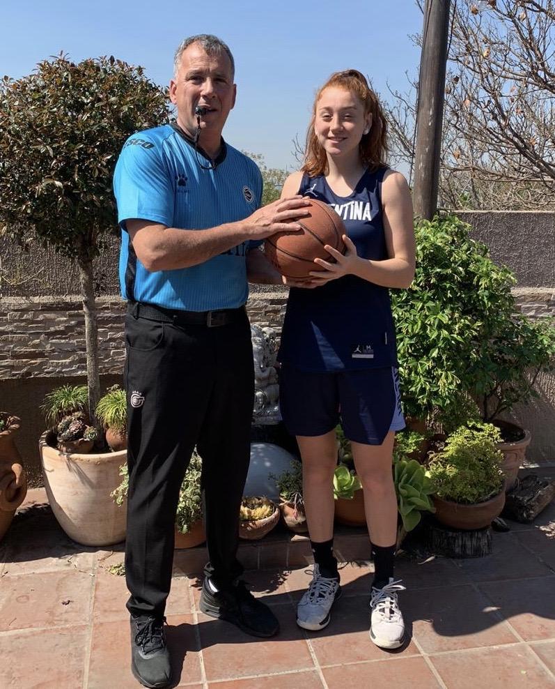 Padre e hija, árbitro top y jugadora de Selección: la pasión de los Sampietro