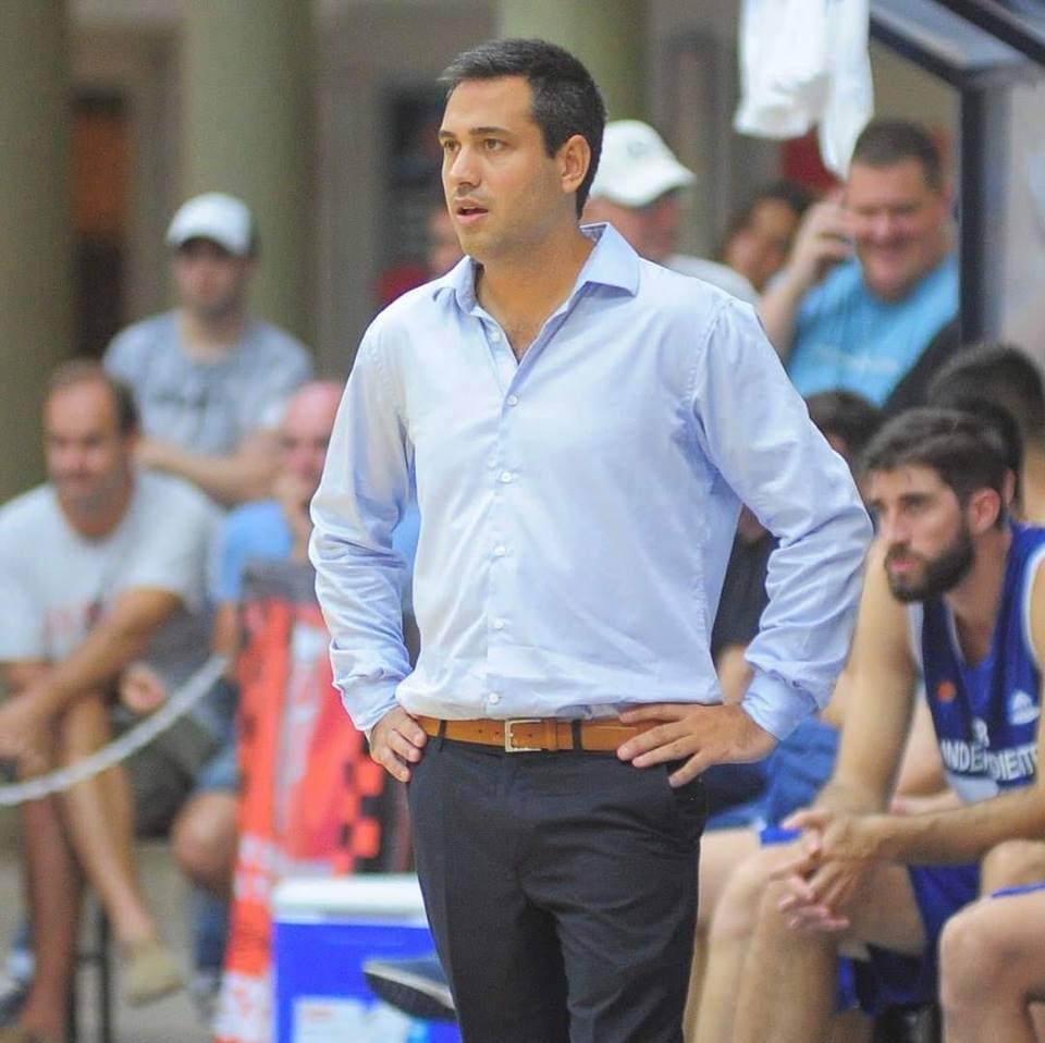 González continúa como entrenador en Independiente