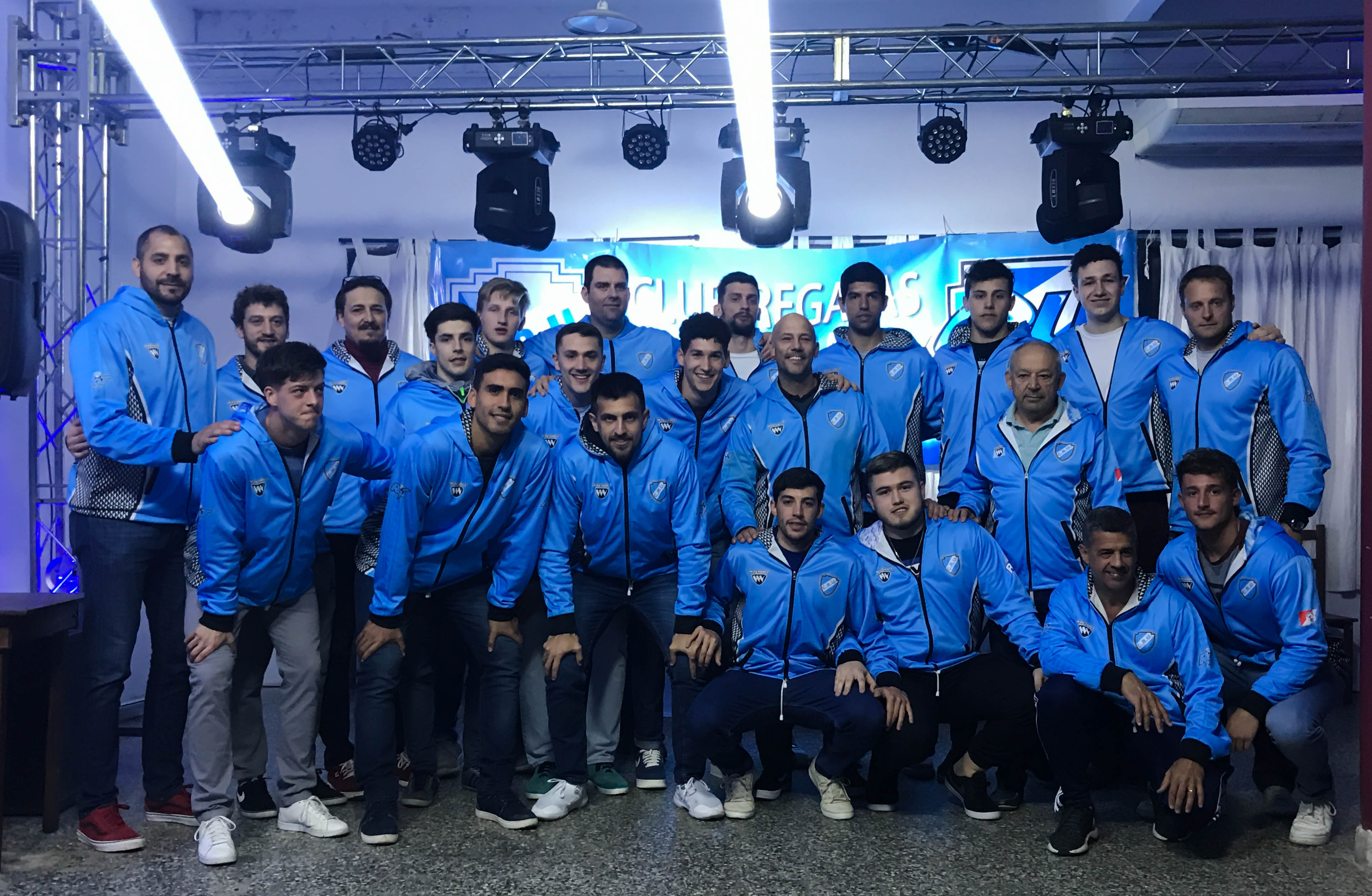Regatas Uruguay presentó su equipo