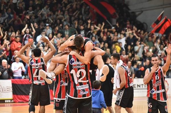 Central venció a Regatas y se metió en el playoff nacional