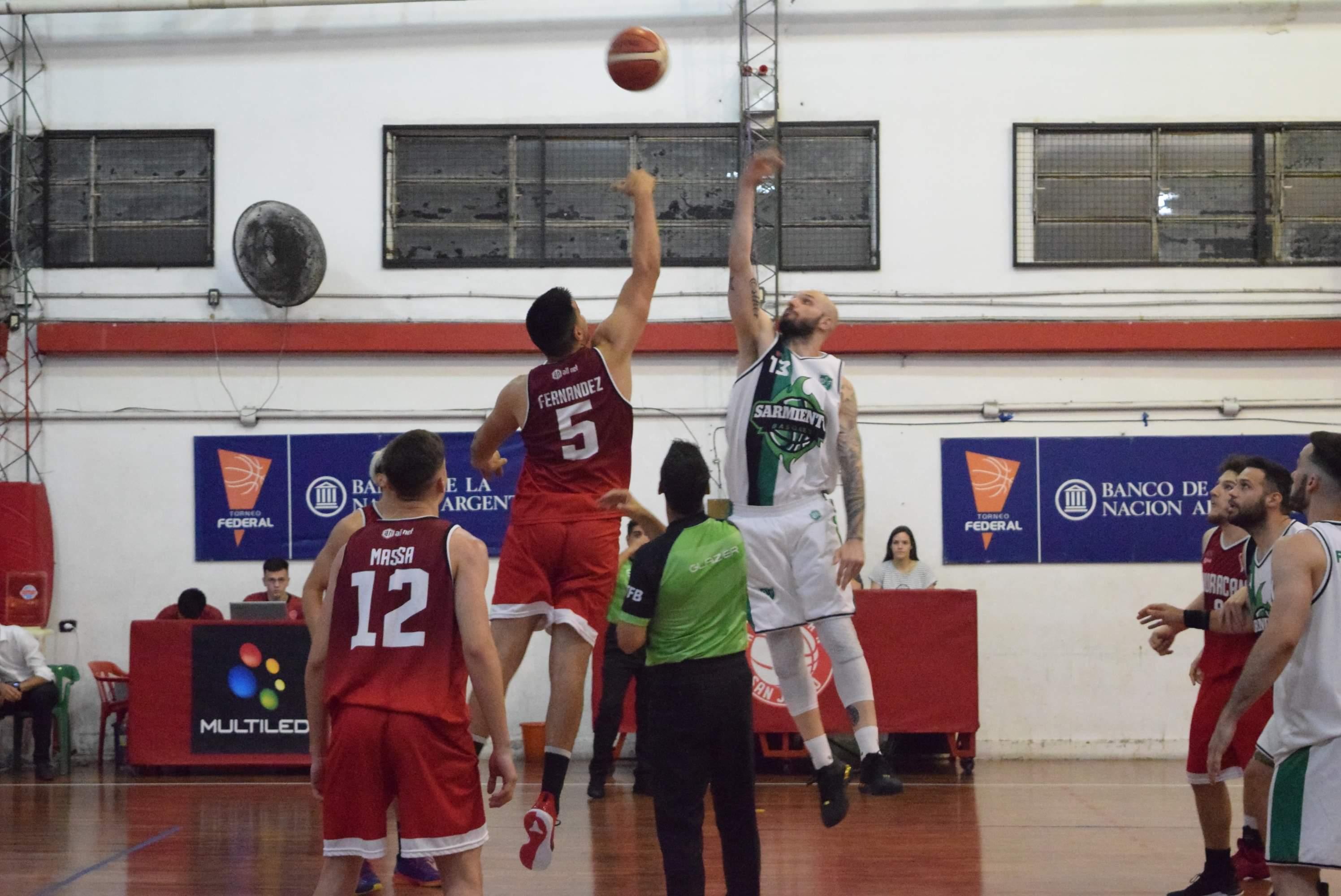 Con un gran último cuarto, Sarmiento se impuso a Huracán